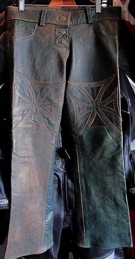 Get into a rockstar's pants