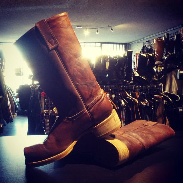 Frye boots, amazing condition, with a breathtaking tigerish patina. Men's 9.  #frye #campus