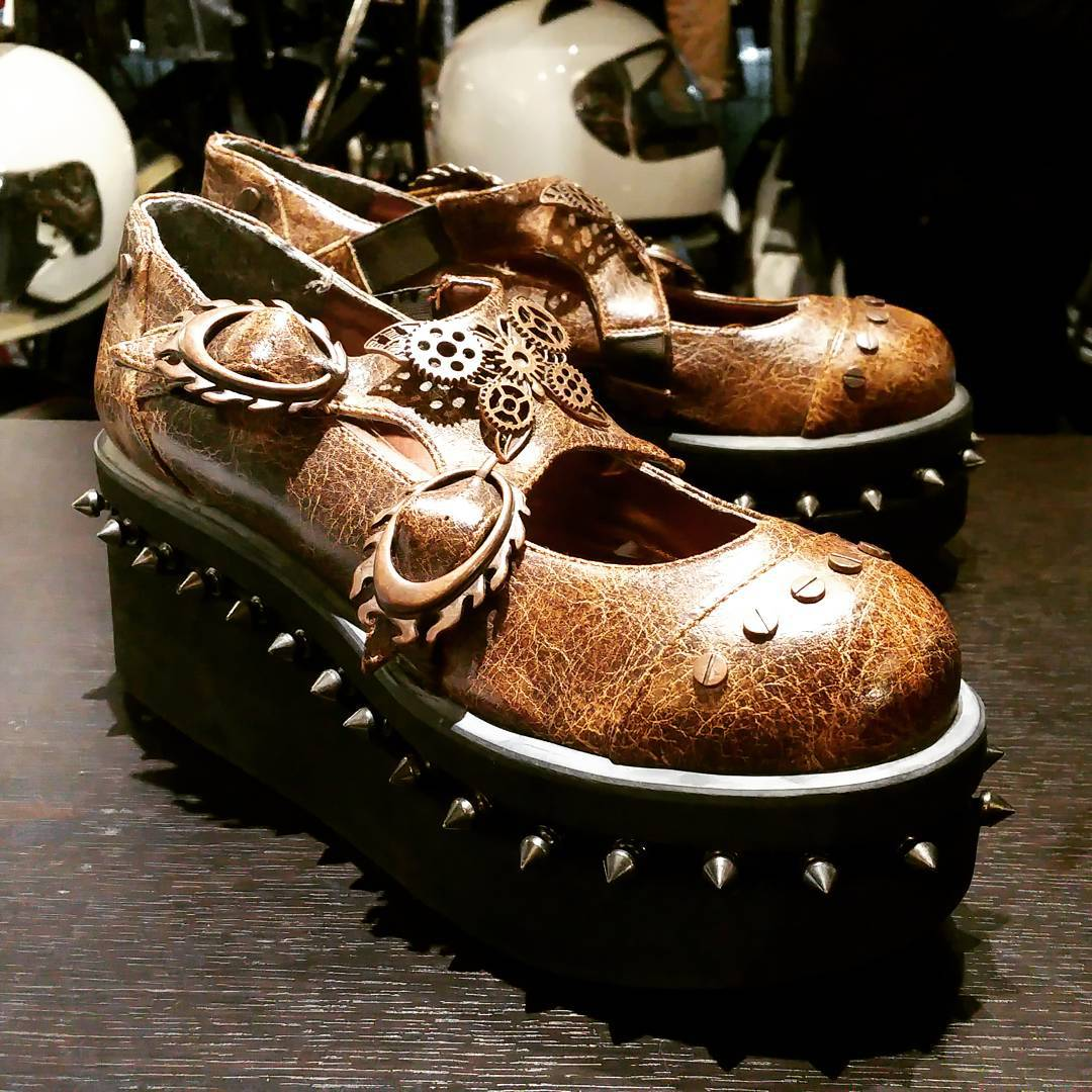 #rerides #steampunk #clockworks #shoes #halloween #studded  Metropolis size: women's 8.5 $55CAD