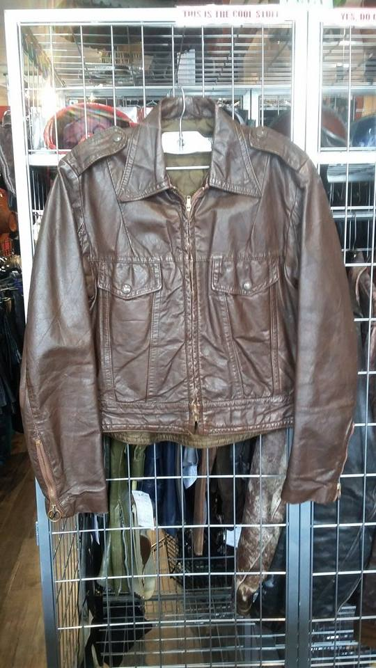 Vintage Harley Davidson jacket. Cute as a button!