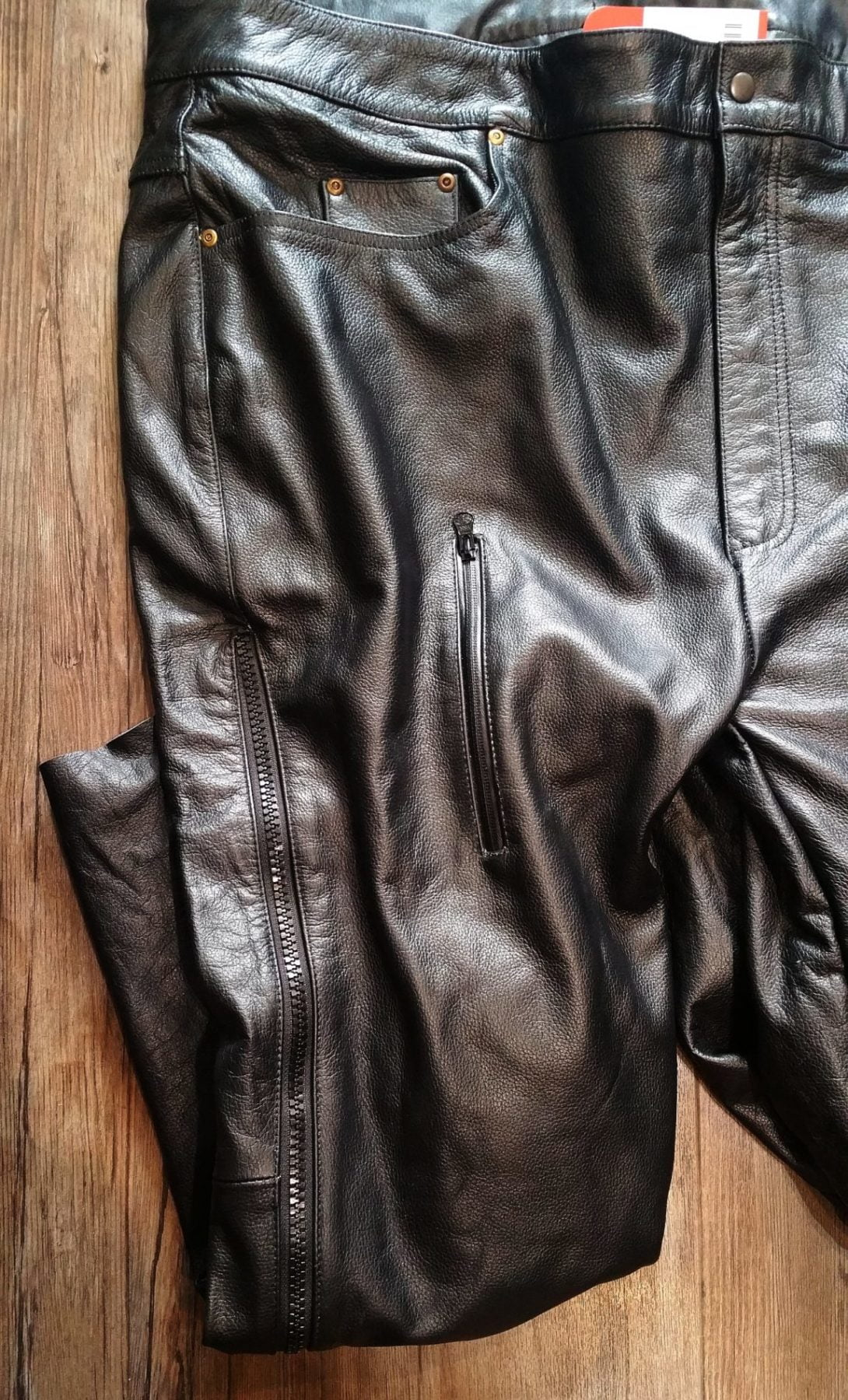 Plus-sized, short legs? Rejoice in these armored leather riding pants!
