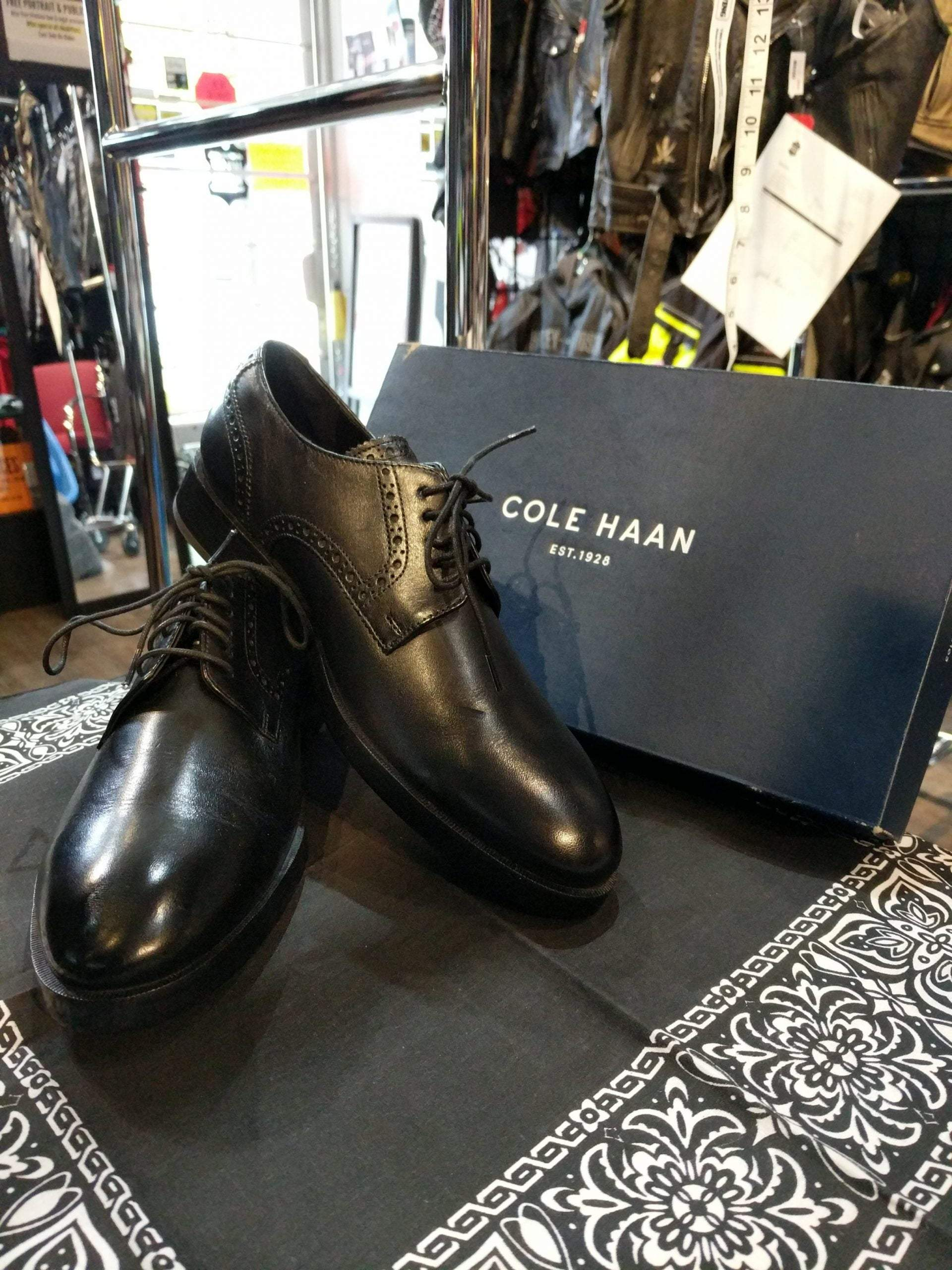 COLE HAAN Leather Henry Grand Derby SHOES     ( Size: Euro 39 | men's 7 | women's 8.5 )