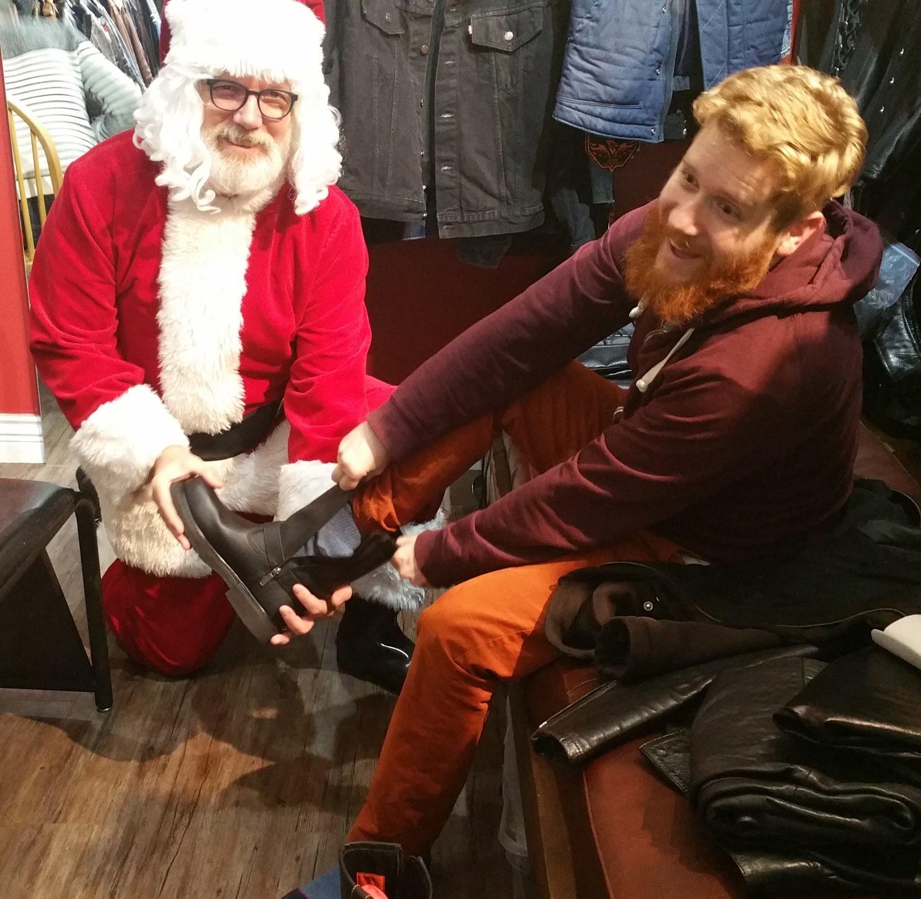 Santa's Visit & Flash Sale – Sunday November 25  (2 – 4pm)